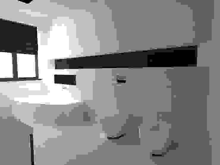 dom koło Nowego Miasta Lubawskiego Nowoczesna łazienka od ap. studio architektoniczne Aurelia Palczewska-Dreszler Nowoczesny