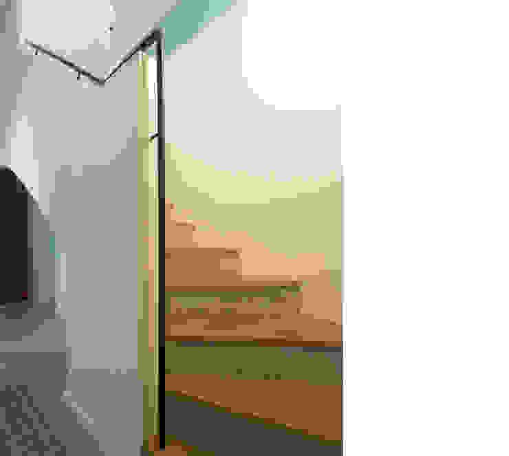 Modern Corridor, Hallway and Staircase by beissel schmidt architekten Modern
