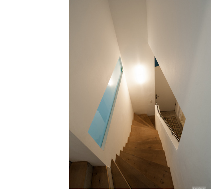 Corredores, halls e escadas modernos por beissel schmidt architekten Moderno