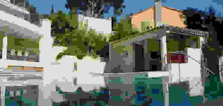 VILLA À CASSIS Piscine moderne par 2Y Architecture Moderne