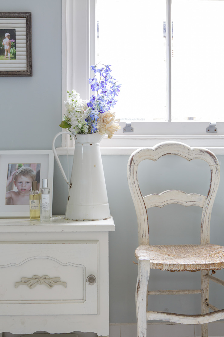 Honeybee Interiors: modern tarz , Modern