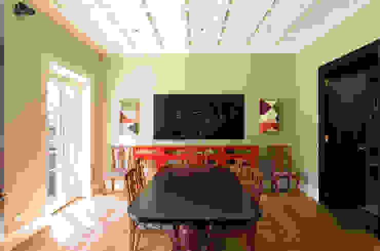 S.Monaca Townhouse Sala da pranzo eclettica di Luigi Fragola Architects Eclettico