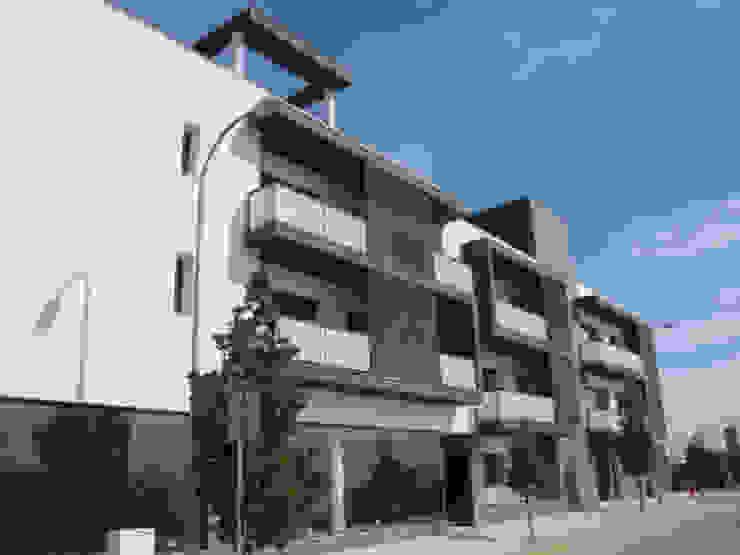 Edifício Concluído Casas modernas por Ana Viegas Moderno