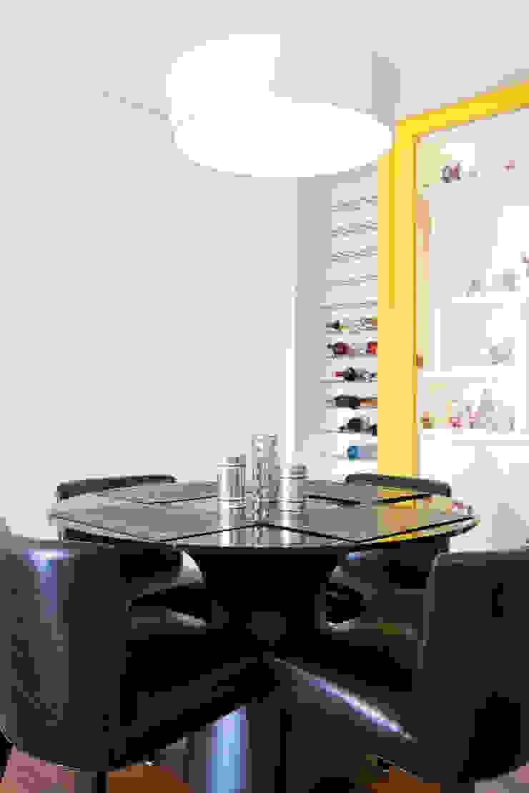 Adega Salas de jantar ecléticas por ArkDek Eclético