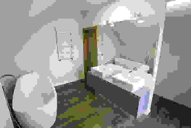 Scandinavian style bathroom by Och_Ach_Concept Scandinavian