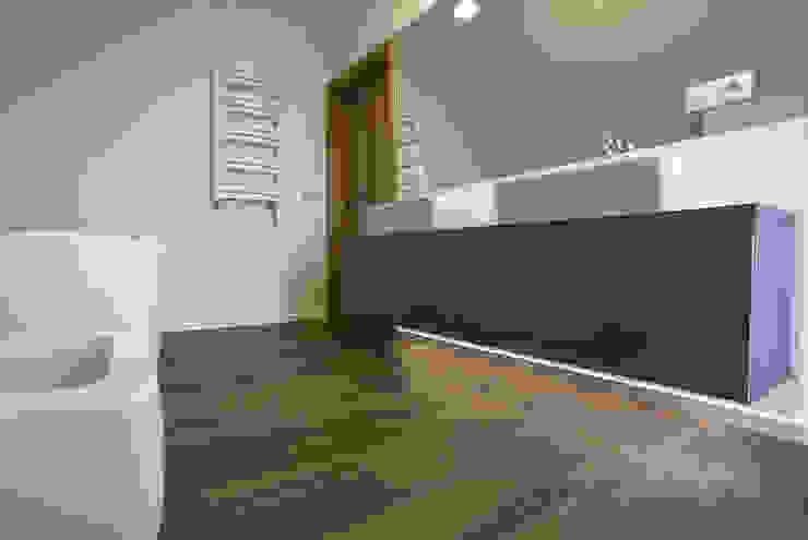 SWC Skandynawska łazienka od Och_Ach_Concept Skandynawski