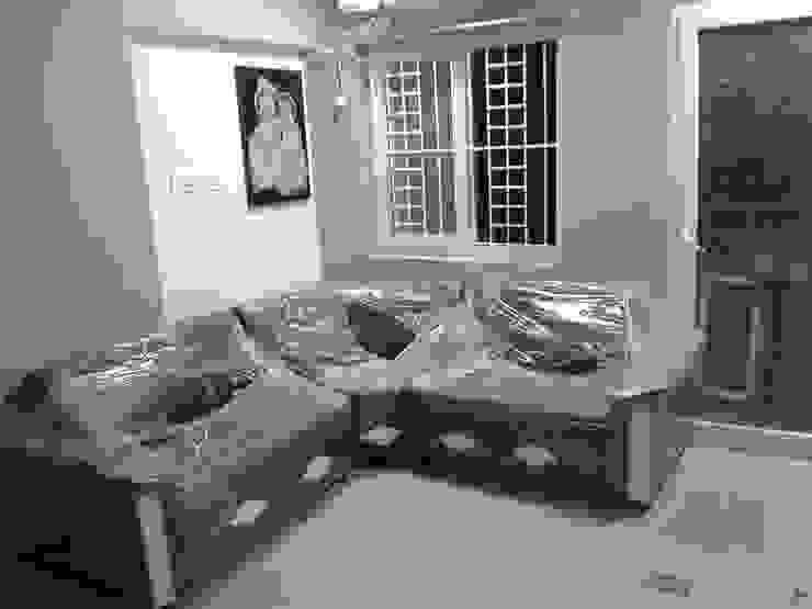 gem croove kelambakkam Minimalist living room by sreeinterior Minimalist