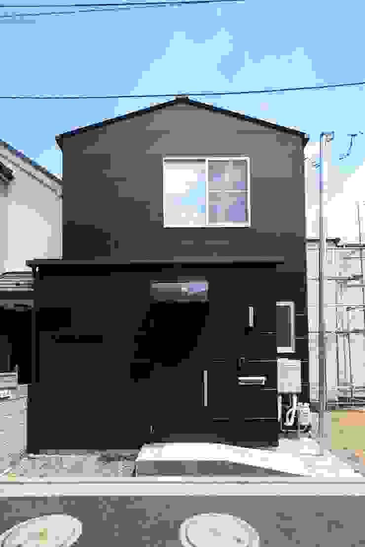 東金町の家【House Higashikanamachi】 モダンな 家 の Nieda Architects モダン