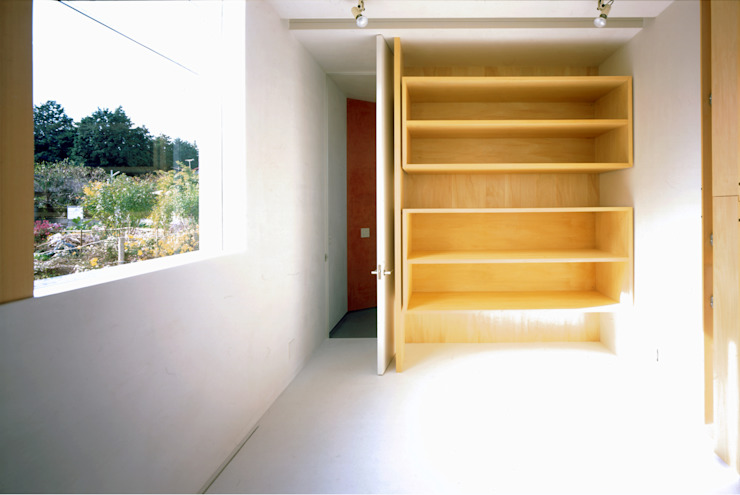 S Atelier モダンデザインの 多目的室 の 小平惠一建築研究所 モダン