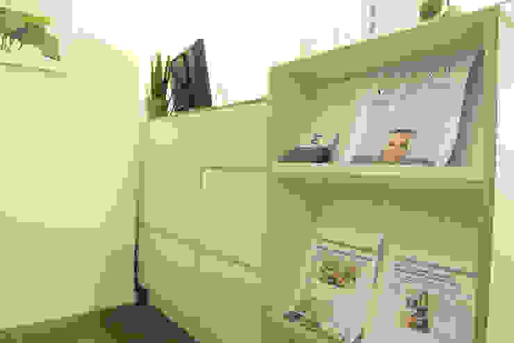 Meubles d'accueil pour une clinique de santé mieux être par Pour Soi Chez Soi Moderne