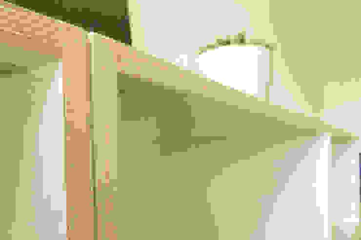 Détails meubles modulables pour une clinique de santé mieux être par Pour Soi Chez Soi Moderne