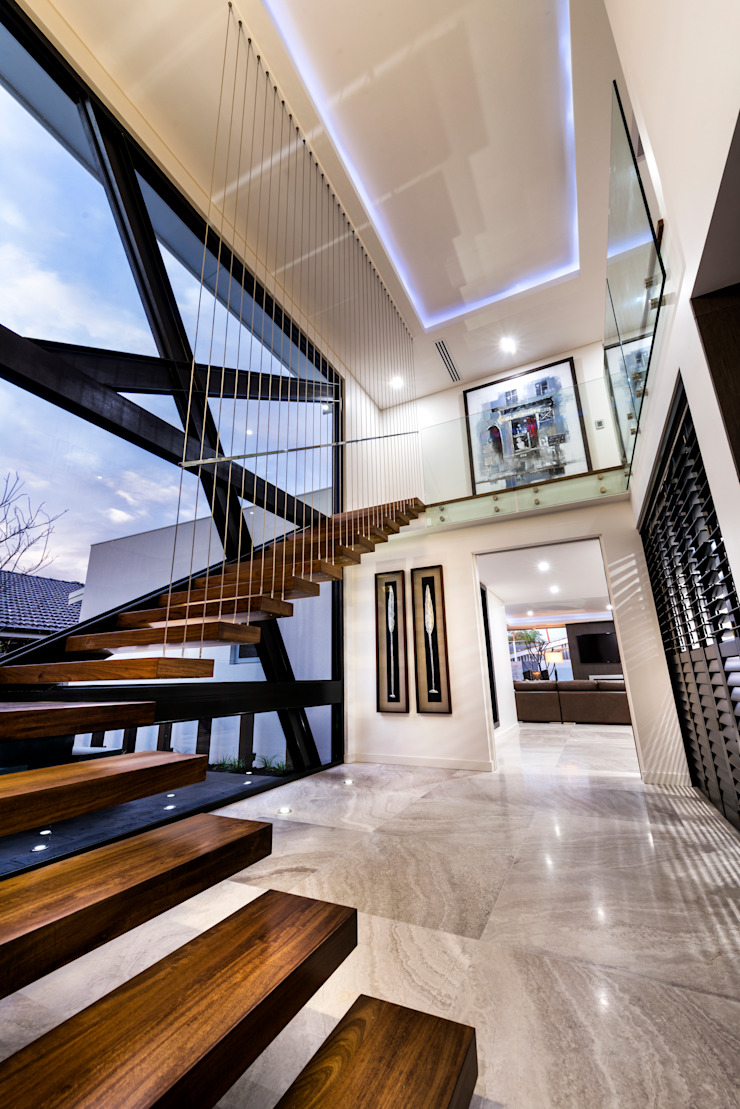 Menora Residence Modern corridor, hallway & stairs by Moda Interiors Modern