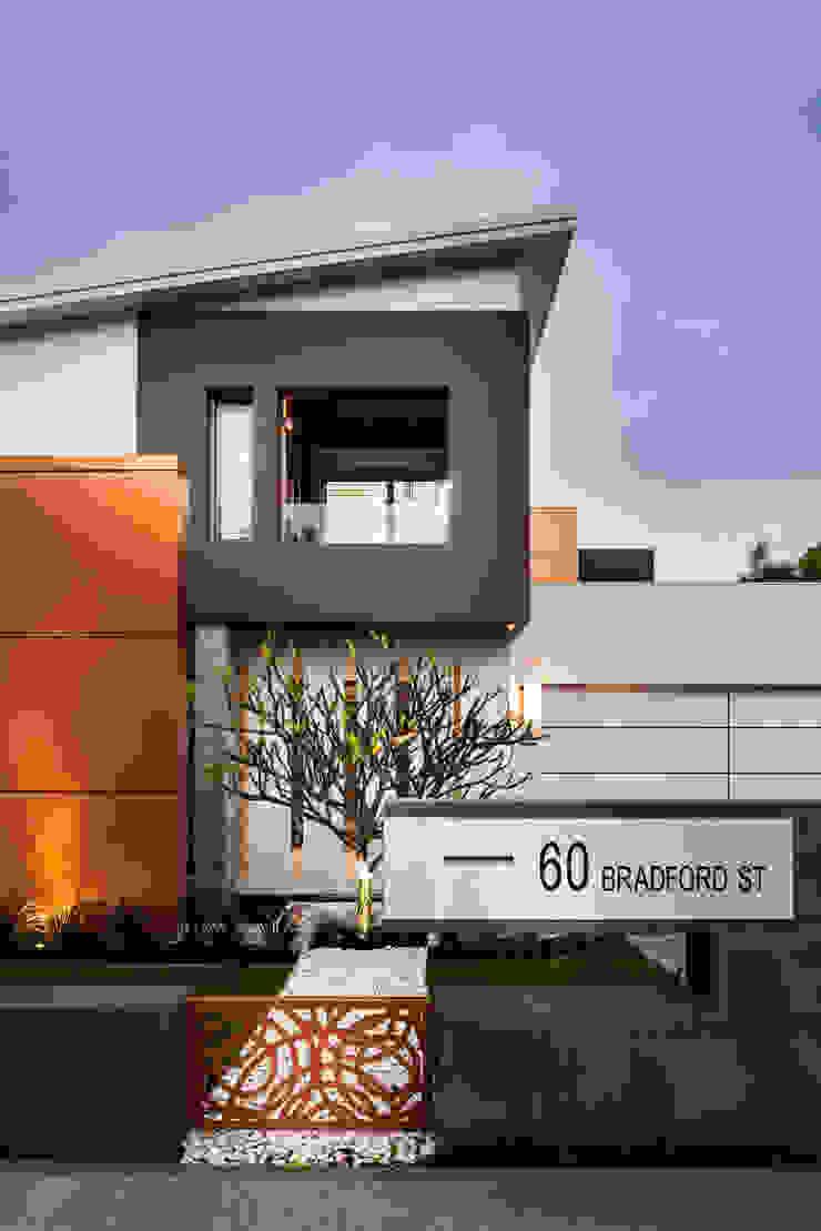 Menora Residence Modern houses by Moda Interiors Modern