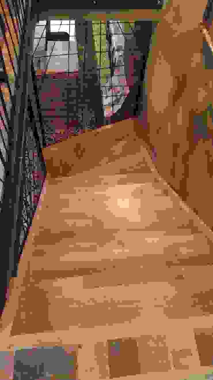 Yıldız  Ahşap merdiven ve küpeşte – L merdiven: modern tarz , Modern