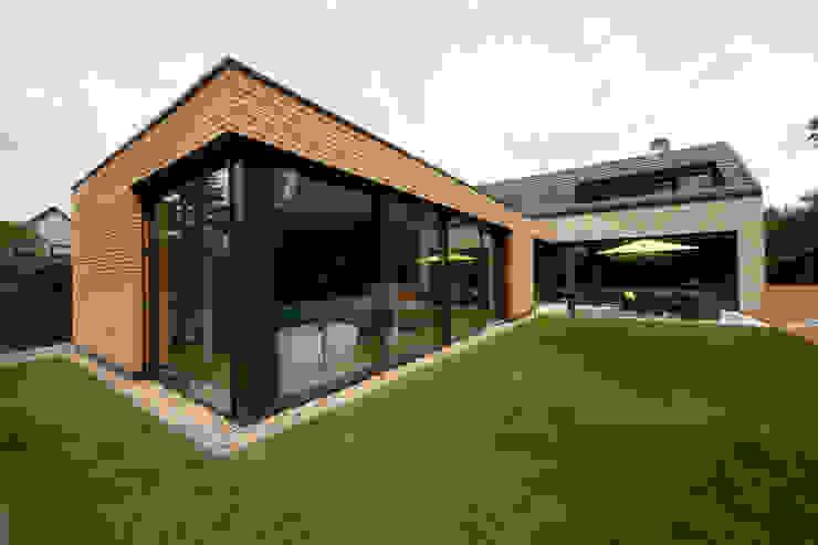 Gartenansicht 2 Moderne Häuser von Hermann Josef Steverding Architekt Modern