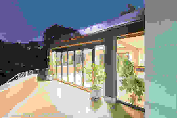 Balcone, Veranda & Terrazza in stile moderno di homify Moderno