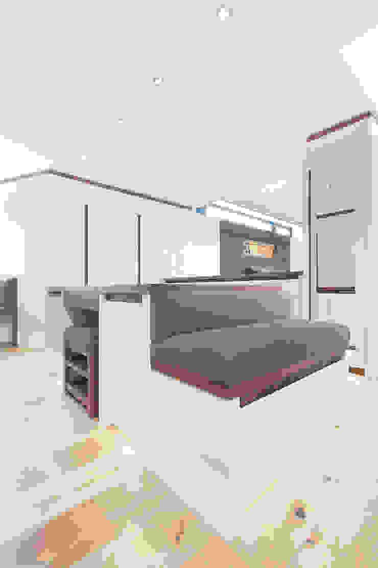 Townfoot Modern dressing room by GLM Ltd. Modern