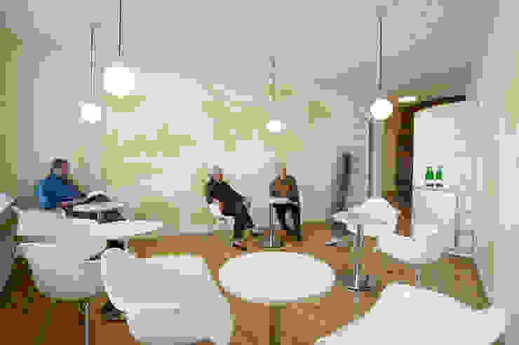 Wartebereich Moderne Praxen von Architekturbüro Borchmann Modern