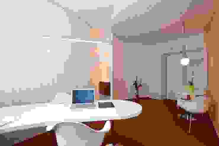 Ein Arztzimmer von insgesamt 4 Moderne Praxen von Architekturbüro Borchmann Modern