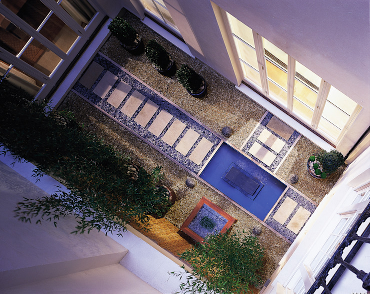 Lowndes Square Classic style balcony, veranda & terrace by KSR Architects Classic