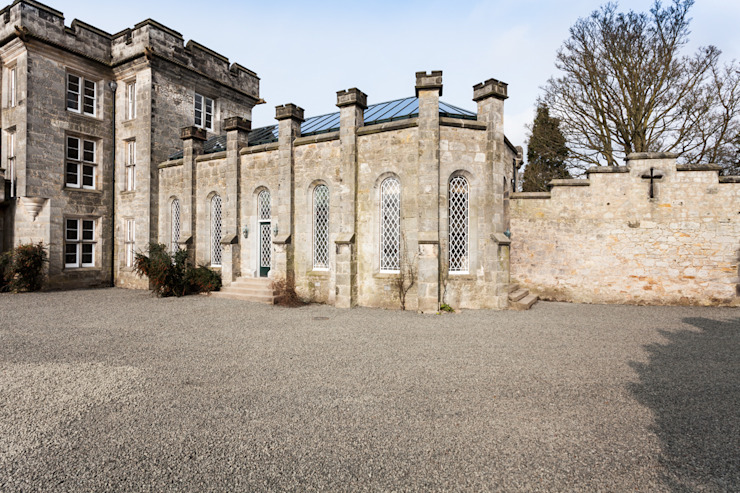 A-Listed Castle & Chapel Classic style houses by GLM Ltd. Classic