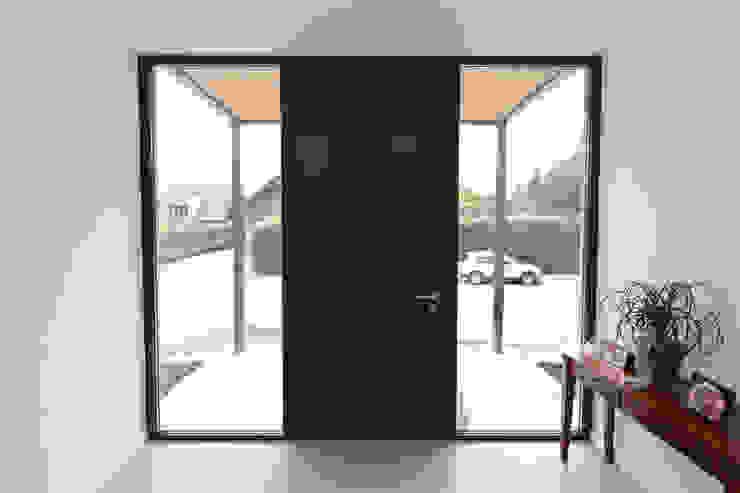 Eingagsbereich Moderne Fenster & Türen von Hermann Josef Steverding Architekt Modern