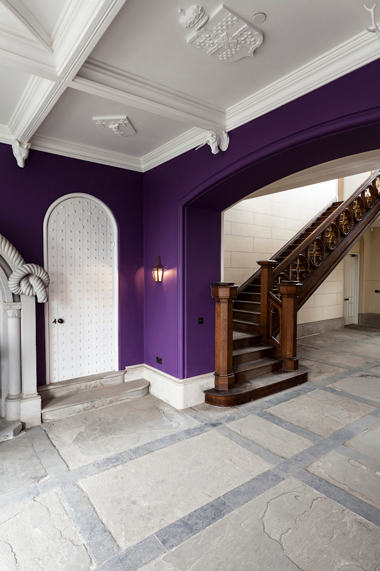 A-Listed Castle & Chapel Classic style corridor, hallway and stairs by GLM Ltd. Classic