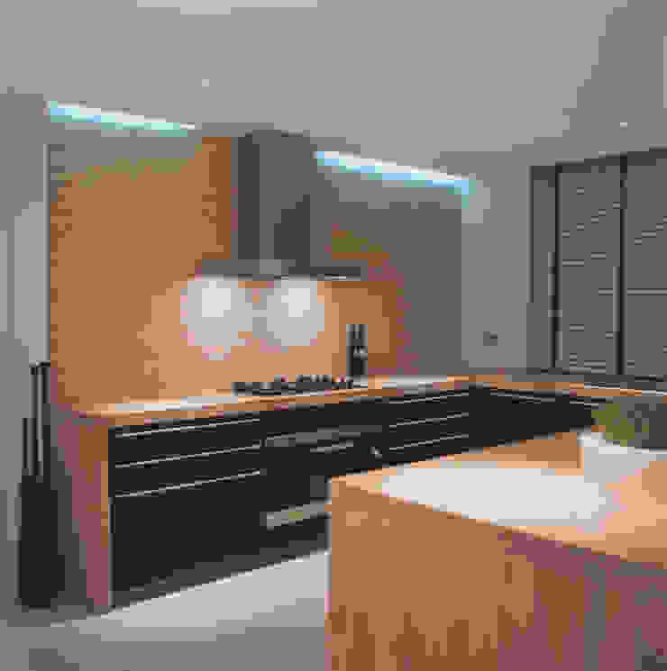 Phillimore Square Minimalist kitchen by KSR Architects Minimalist