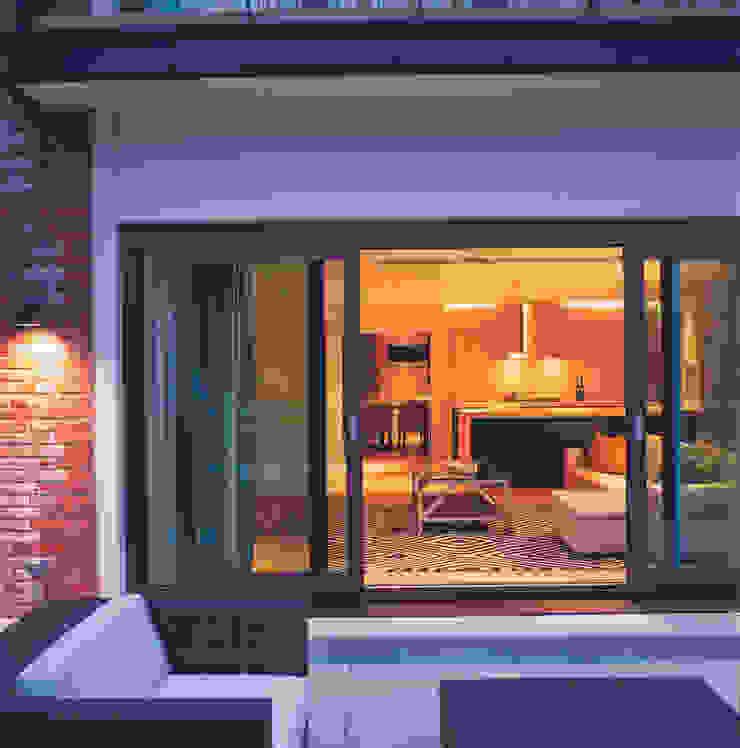 Phillimore Square Modern balcony, veranda & terrace by KSR Architects Modern