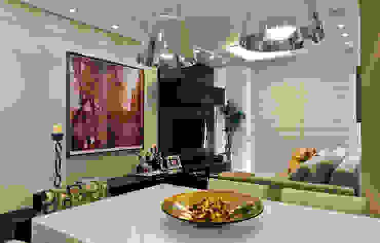Projeto arquitetônico de interiores para residencia unifamiliar. (Fotos: Lio Simas) Salas de jantar ecléticas por ArchDesign STUDIO Eclético