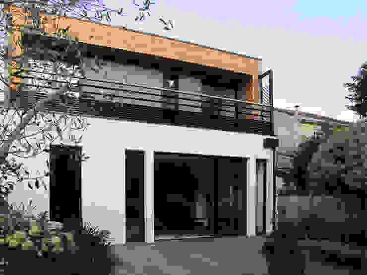 Façade sur jardin Maisons modernes par EIRL Hugues DRAPEAU Architecte Moderne