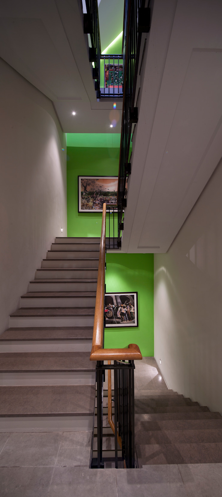 Holford Road 2 Modern corridor, hallway & stairs by KSR Architects Modern