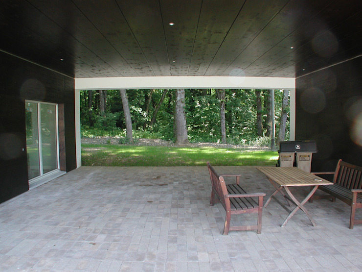 Modern Balkon, Veranda & Teras [GAA] GUENIN Atelier d'Architectures SA Modern