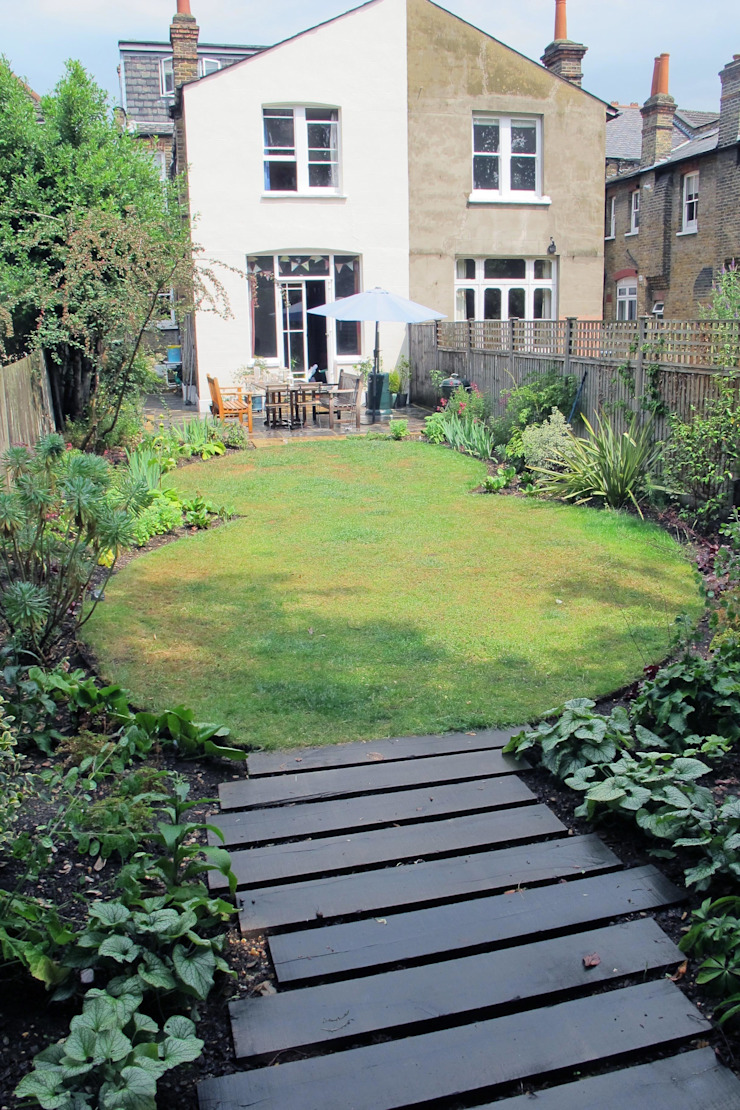 Oval Lawns Rustic style garden by Fenton Roberts Garden Design Rustic