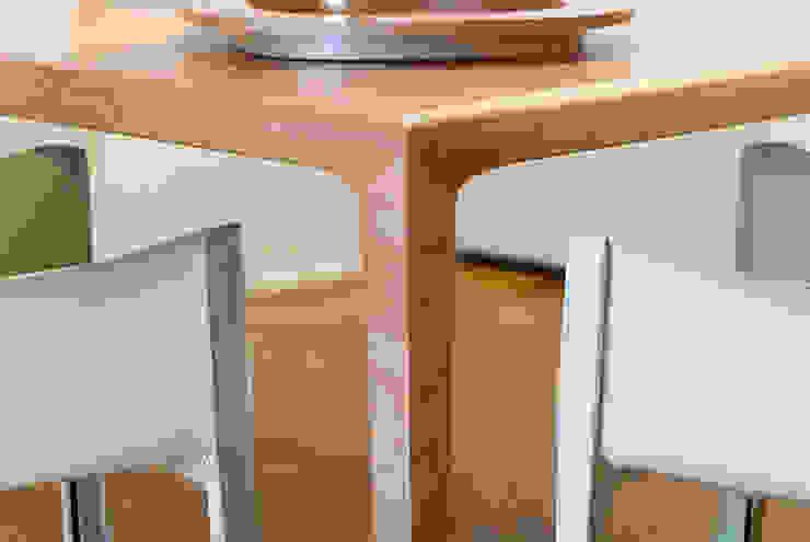 Détail de table de salle à manger par Atelier TO-AU Moderne