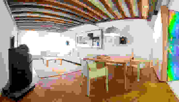 Salon - salle à manger Salon moderne par Atelier TO-AU Moderne