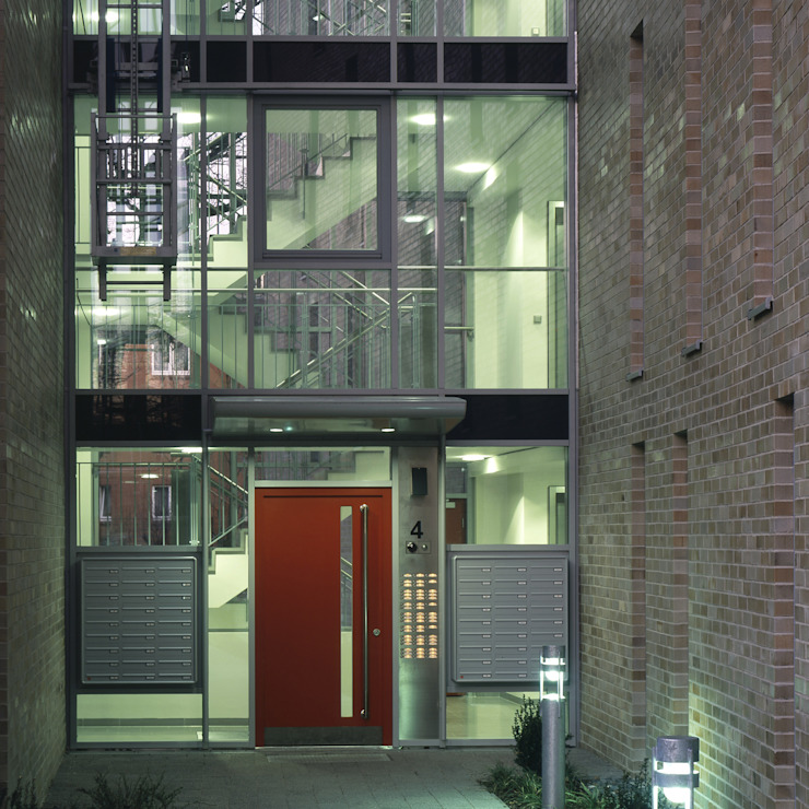 Modern windows & doors by Schaub+Partner Architekten Modern