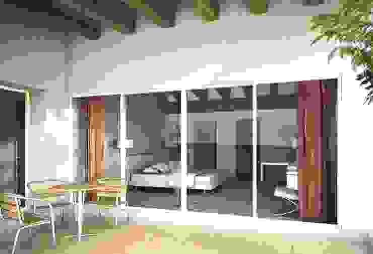 Amanali I Balcones y terrazas modernos de REA + m3 Taller de Arquitectura Moderno