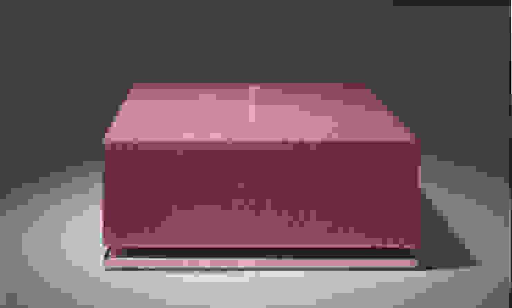 Bassus Kaars met houder: modern  door Glaswinkeltje/ DesignGlasOnline, Modern