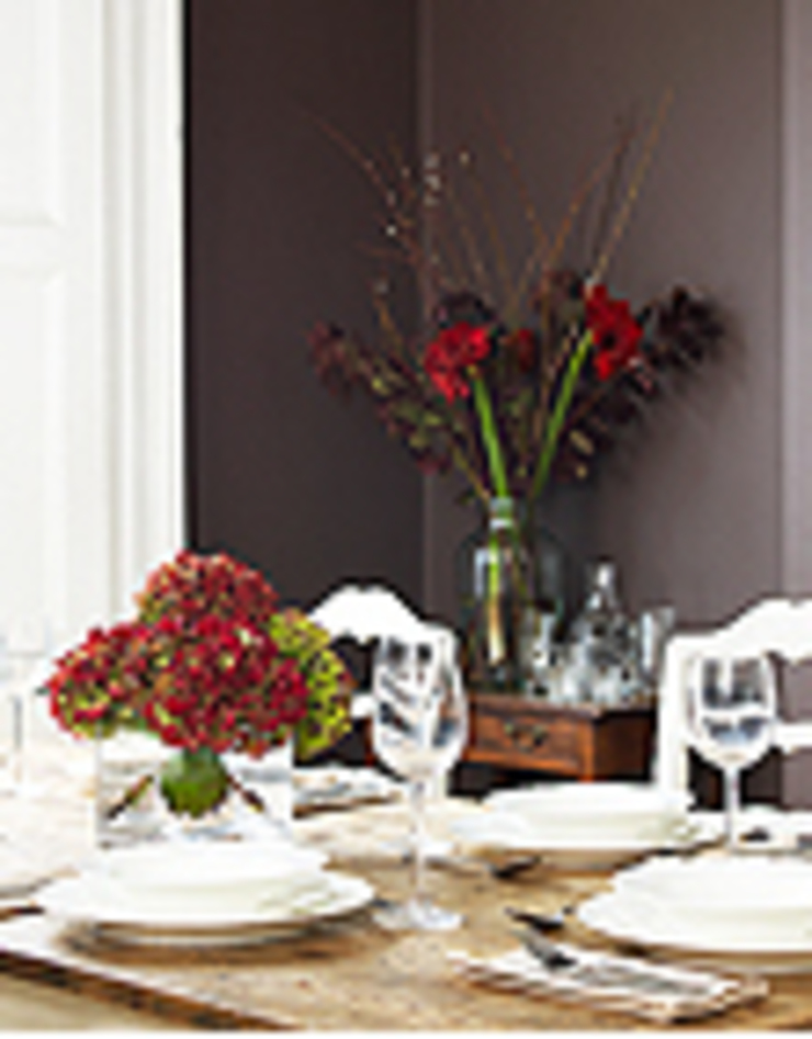 Classic and Country Spaces Classic style dining room by Simone Barker Interiors Classic