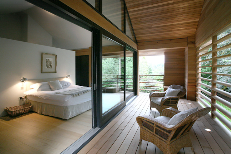 Cedarwood Eclectic style bedroom by Nicolas Tye Architects Eclectic