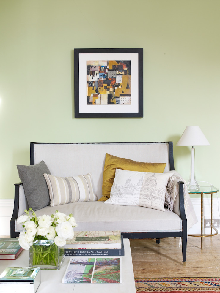 Classic and Country Spaces Classic style living room by Simone Barker Interiors Classic