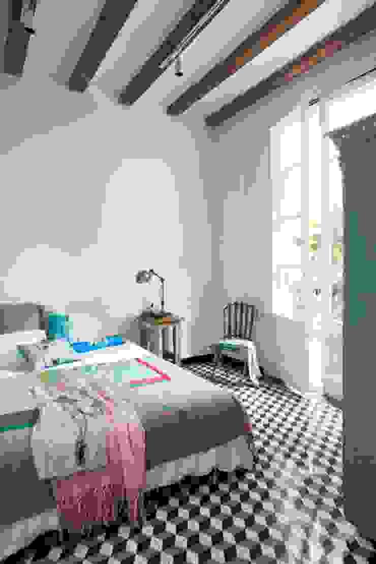 Vivienda Sta. Caterina. Vivir junto al mercado. Dormitorios de estilo mediterráneo de Egue y Seta Mediterráneo
