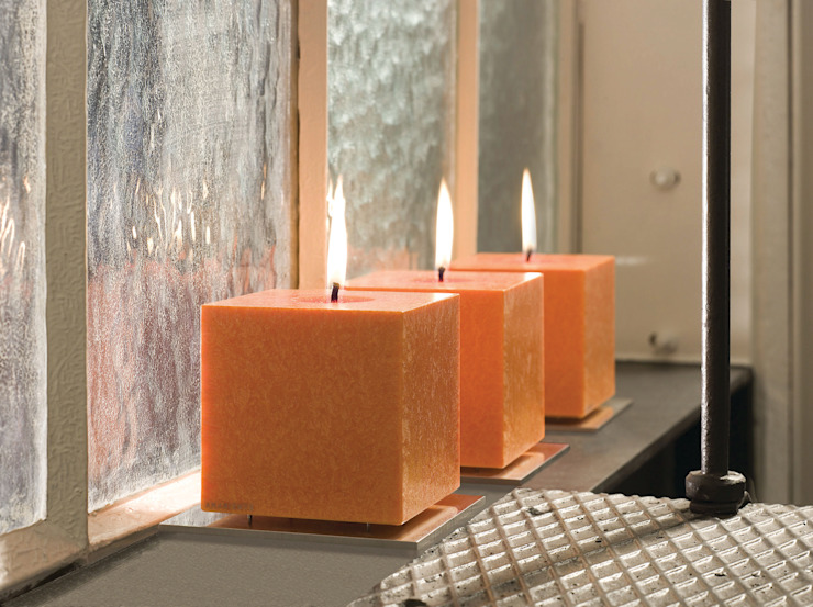 Kubus Kaars met houder: modern  door Glaswinkeltje/ DesignGlasOnline, Modern