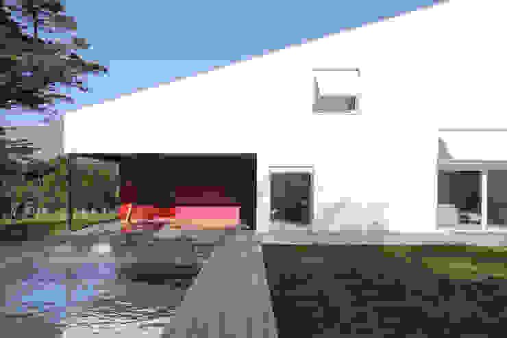 MAISON BASTILLE Balcon, Veranda & Terrasse minimalistes par SCRIPT architectures Minimaliste
