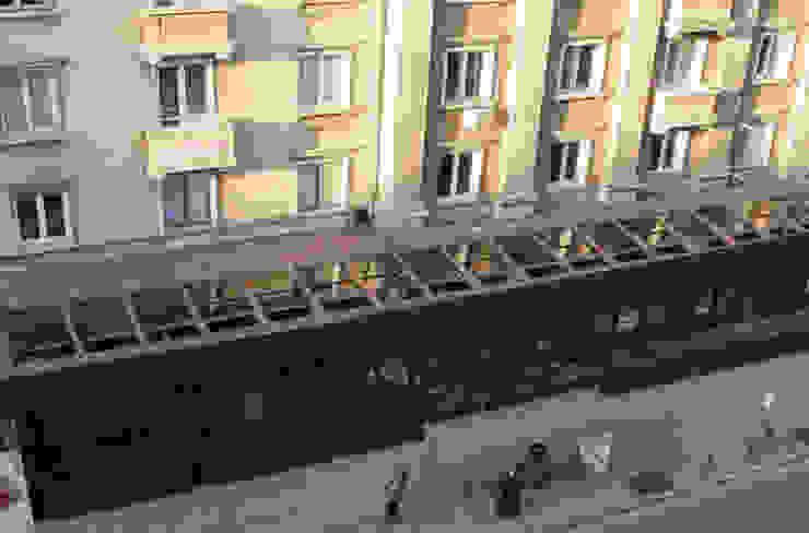Giardino per il Bar/Cafee Gastronomia in stile moderno di Studio d'arte e architettura Ana D'Apuzzo Moderno