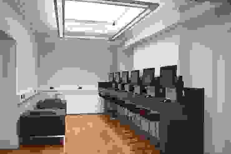 London Metropolitan University, Moorgate building Modern schools by Hitch Mylius Modern