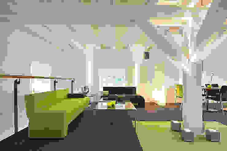 Schloßhotel Monrepos, Germany Modern office buildings by Hitch Mylius Modern