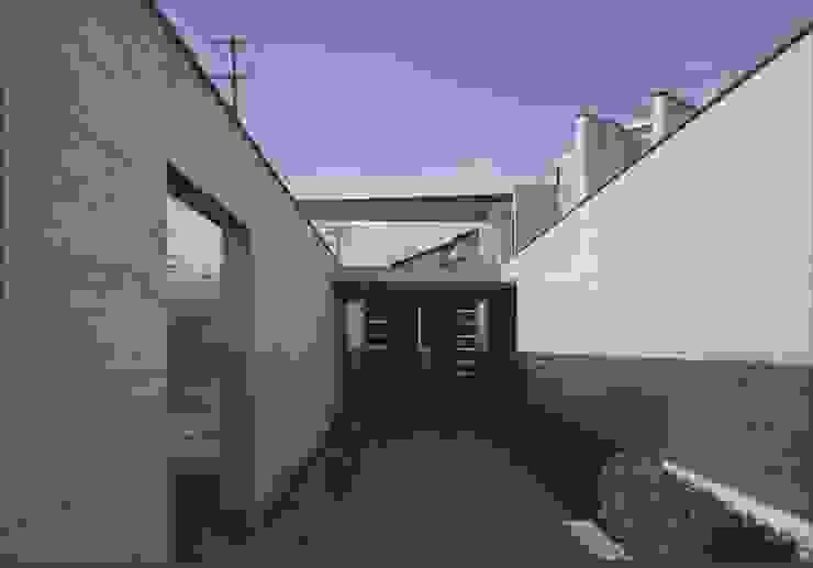 盛岡の家 モダンな 家 の 中村弘道・都市建築 計画設計研究所/HIROMICHI NAKAMURA ARCHITECT & ASSOCIATES モダン