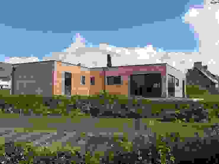 Casas modernas: Ideas, imágenes y decoración de GUENNOC Soizic Moderno